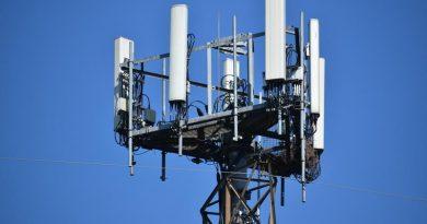 Comande a rede 5G: Implantação 5G avançada e garantia de serviço com portfólio abrangente VIAVI de testes de campo RF