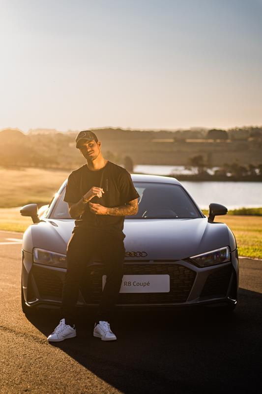 Audi R8 e Gabriel Medina