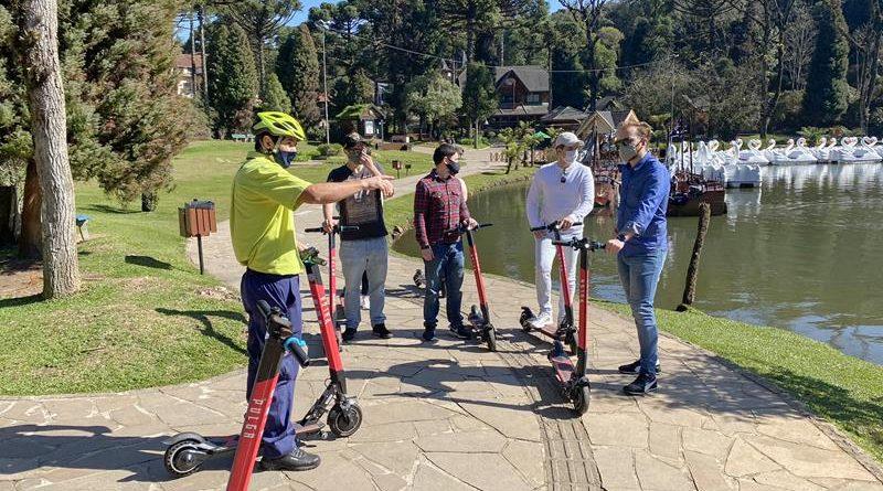 Brocker oferece tour de patinete elétrico em Gramado