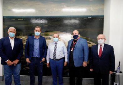 União Química recebe governador do DF, Ibaneis Rocha, para visita à fábrica onde acontece a produção piloto do IFA para a vacina Sputnik V