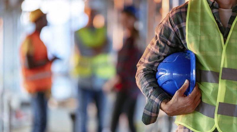 Confiança no setor de construção tem primeira alta do ano