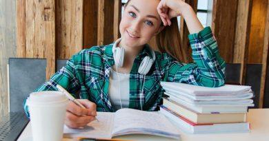 Qual é a quantidade de horas complementares exigidas em faculdades?