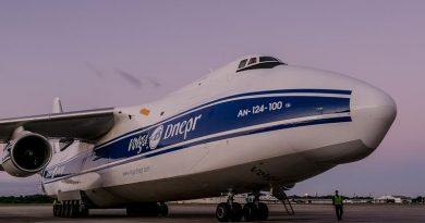 RIOgaleão recebe visita de um dos maiores aviões do mundo